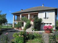 Location de vacances Saint Julien Maumont Apartment Loti