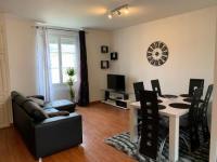 Résidence de Vacances Saint Genès de Lombaud Bel appartement T2