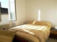 Résidence de Vacances Blanzay Apartment with one bedroom in Civray with wonderful city view furnished garden and WiFi