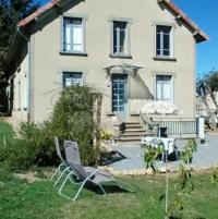Résidence de Vacances Peyrelevade Apartment with 3 bedrooms in Crocq with enclosed garden and WiFi 60 km from the slopes