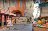 Résidence de Vacances Saint Vallier de Thiey Art collector's pied-a-terre in the centre of Grasse