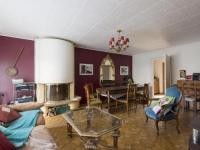 gite Versailles Beautiful Holiday Home in Les Clayes-sous-Bois with Terrace