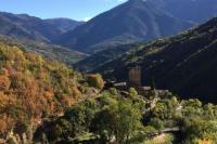 gite Estavar Le nid d' évol gite avec balnéo,terrasse et vue sur la montagne