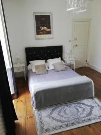 Résidence de Vacances Pau Appartement place Clemenceau.. hypercentre