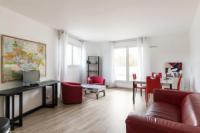 Résidence de Vacances Aubervilliers Bright flat with terrace in St Denis, 2 min from Stade de France - Wels