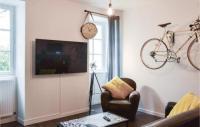 Appart Hotel Saint Nicolas de Bourgueil Nice apartment in Saumur w WiFi and 1 Bedrooms