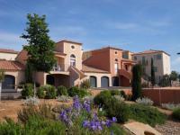 Appart Hotel Espondeilhan Résidence Village D'Oc Golf de Béziers by Popinns