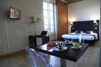 Appart Hotel Nîmes Odalys City Nîmes Le Cheval Blanc