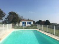 Chambre d'Hôtes L'Épine Chambre avec piscine
