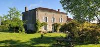 gite La Petite Boissière Wisteria House