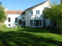 Chambre-d-hotes-Villa-du-Hameau-de-la-Reine Le Chesnay