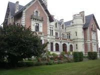 gite La Ménitré Château de Belle Poule