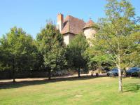 gite Pouilly sous Charlieu Chateau de Tigny