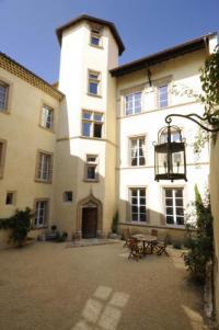 Location de vacances Courbevoie Maison de la Pra