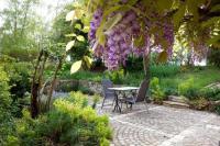 Chambre d'Hôtes Périssac Les Jardins de Camelot