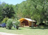 Terrain de Camping Saujac Location en Bungalow au Camping Ruisseau du Treil