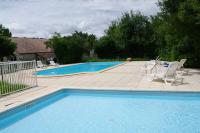 Camping Le Pouchou-piscine