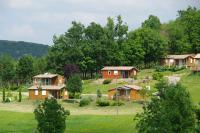 Camping Le Pouchou-chalets
