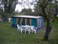 Camping Les Cariamas-nos-tenets-amenagees-a-louer