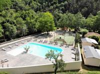 Camping de Retourtour-piscine-chauffee-Camping-de-retourtour-4-etoiles-riviere-piscine-ardeche
