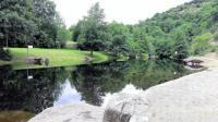 Camping de Retourtour-Plan-d-eau-amenage-a-150m-du-camping