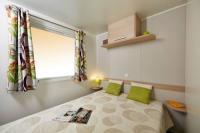Terrain de Camping Remoulins Location en Mobil home au Camping la Sousta****