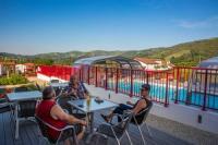 Terrain de Camping Aquitaine Location en Mobil home au Camping Châlets Larlapean