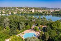 Terrain de Camping Saint Rémy de Provence Camping Du Pont D'Avignon