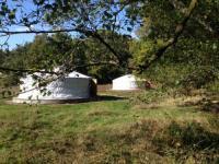 Terrain de Camping Peyrelevade Yourtes mongoles du centre UnisVers