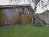 gite Saint Vaast sur Seulles Modern Chalet in Bayeux with Garden