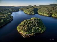 gite Mhère Cottage du lac de Chaumeçon avec étang privé
