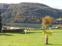 gite Serrières en Chautagne Petit chalet vue sur lac