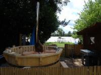gite Saint Laurent des Combes Chalet avec spa à Libourne proche St-Emilion
