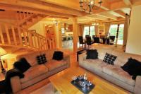 gite La Chapelle d'Abondance Ski-To-Door Chalet Evelyn with Private Sauna
