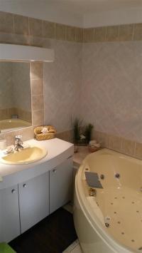LE 13 ORIGINAL - N° 130301-Maison-d-hotes-Le-13-Original-salle-de-bain-balneo