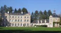 Chambre d'Hôtes Vitry aux Loges Chambres d'hôtes du Château de Champvallins