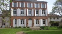 tourisme Garganvillar Chambres d'Hotes Au Château