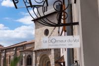Le Dormeur du Val-Le-Dormeur-du-Val-pres-de-la-Collegiale-Saint-Vincent