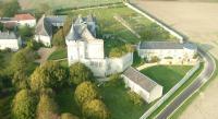 Chambre d'Hôtes Dangé Saint Romain Gîtes du Château de La Motte