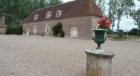 Chambre d'Hôtes Charly Pavillion du Chateau de Saint Augustin