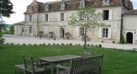 Chambre d'Hôtes La Rochefoucauld Château Manoir de la Lèche