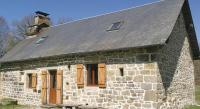 Chambre d'Hôtes Saint Setiers Two-Bedroom Holiday home with Lake View in St Hiliaire L Courbes