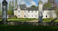 Chambre d'Hôtes Fontaine le Comte LOGIS du Château du Bois Doucet