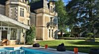 tourisme Montmorillon Chateau L'Hubertiere near Poitiers