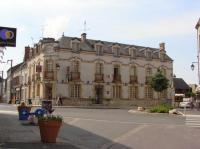 Hotel du Cheval Blanc Bou