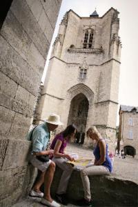 Idée de Sortie Villefranche de Rouergue Bastide de Villefranche de Rouergue - Visite guidée du centre ancien