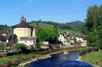 Idée de Sortie Pierrefiche Ste Eulalie d'Olt, village classé parmi les Plus Beaux Villages de France en Aveyron