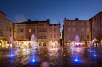 Idée de Sortie Villefranche de Rouergue Place Notre-Dame - Fontaine et carillon
