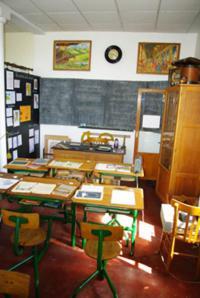 Idée de Sortie Verrières Musée de l'école des années 50