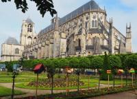 Idée de Sortie Morthomiers Crypte et Tour de la Cathédrale